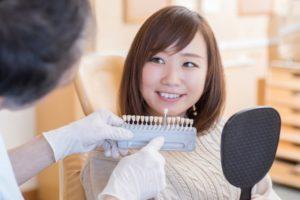 歯の色の確認