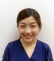 歯科医師:松前陽子