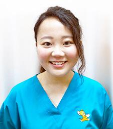 歯科医師:篠﨑百合絵